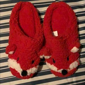 Medium 7 7.5 8 Bath Body Works FOXY Lady RED WHITE Soft Slippers SIZE; Small